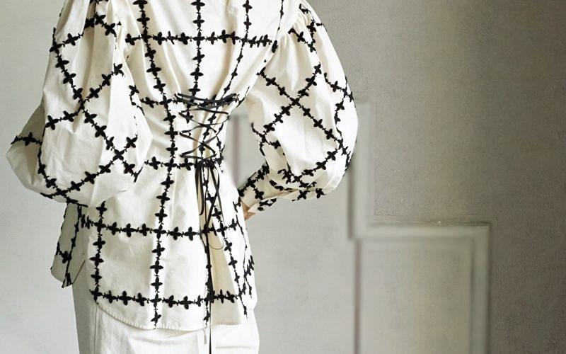 leur logette ,lace up blouse