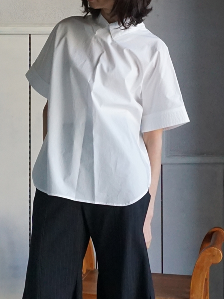 AKIKOAOKI MELTED COLLAR SHIRTS