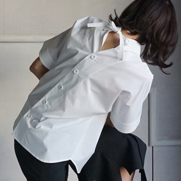 AKIKOAOKI Melted collar shirt