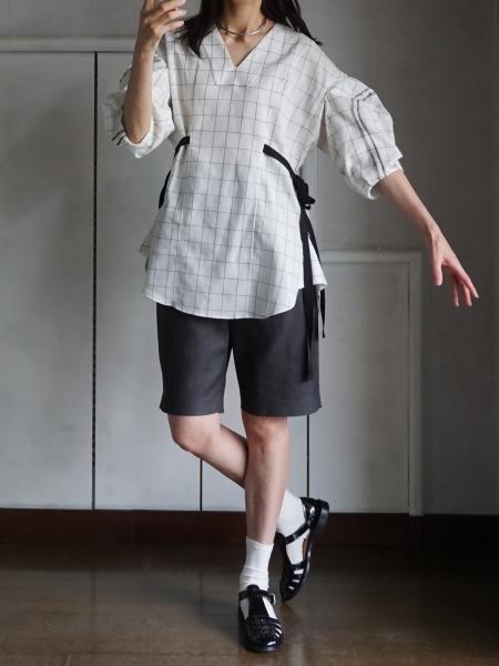 akikoaoki line blouse